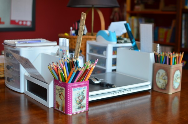 Schoolroom Table Top Organization