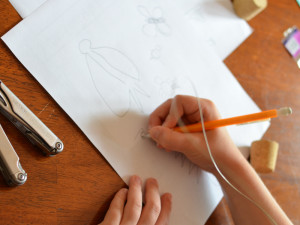 wire sculpting with kids